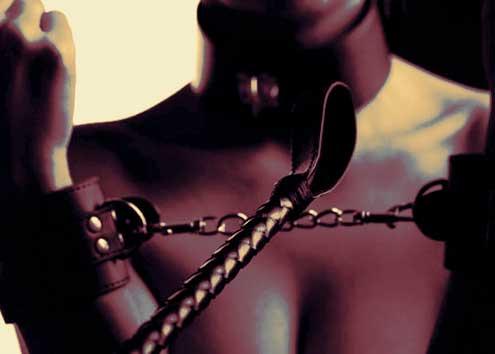 Sumisión-y-feminismo-foto-mujer-sometida2